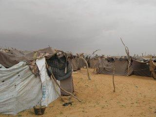 mia_farrow_darfuri_refugee_camp